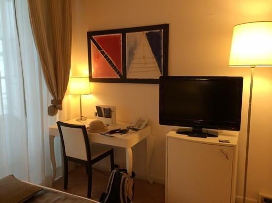 Palazzo Caracciolo Napoli MGallery by Sofitel: Room 238