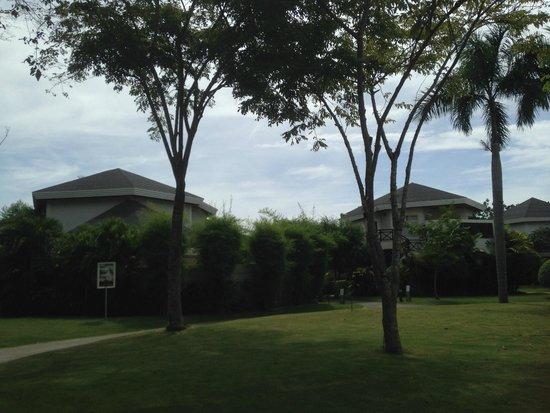 JPark Island Resort & Waterpark, Cebu: Grounds