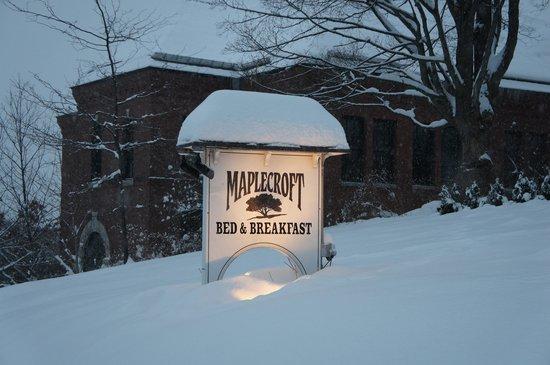 Maplecroft Bed And Breakfast: Winter at Maplecroft
