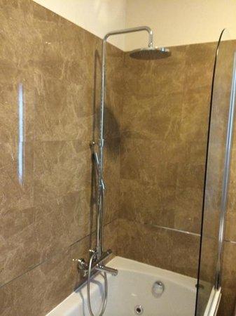 Palazzo San Lorenzo Hotel & Spa: Wonderful marble shower