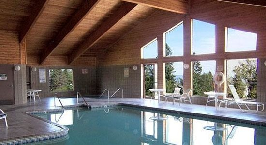 AmericInn Lodge & Suites Tofte - Lake Superior: Pool Area