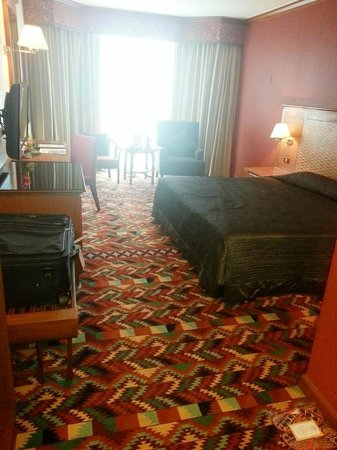 Empress Hotel: Great size rooms