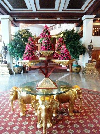 Empress Hotel: Enormous recption