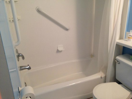 Sanibel Moorings: shower in hall bathroom