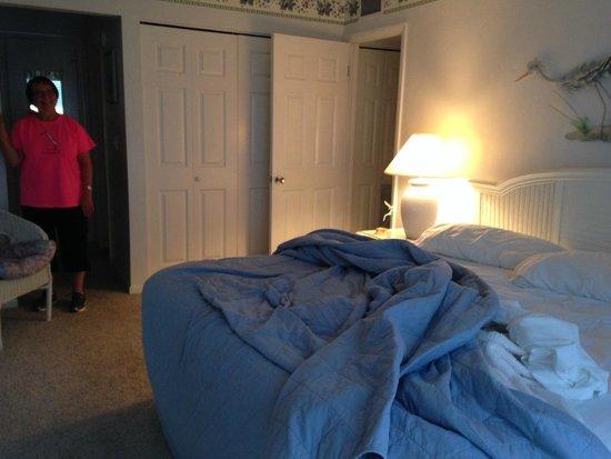 Sanibel Moorings: master bedroom of 1112
