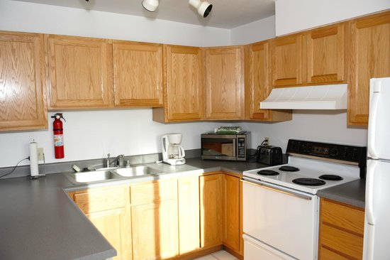 Anchorage Corporate Suites: Second Photo of the Kitchen