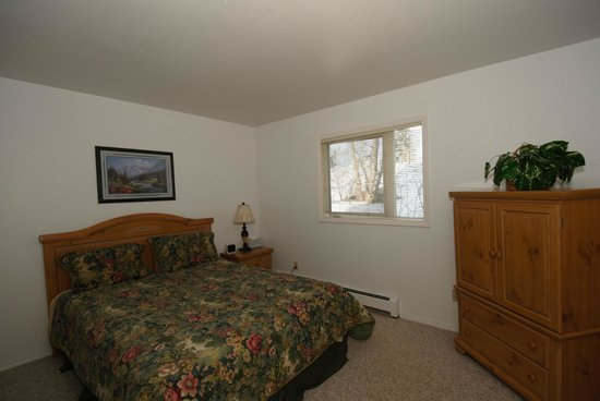 Anchorage Corporate Suites: Bedroom 1