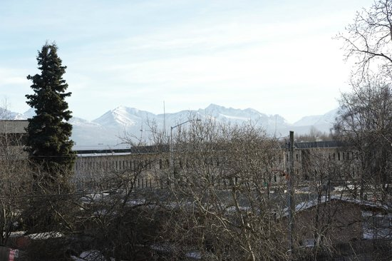 Anchorage Corporate Suites: Beautiful Mountain Views