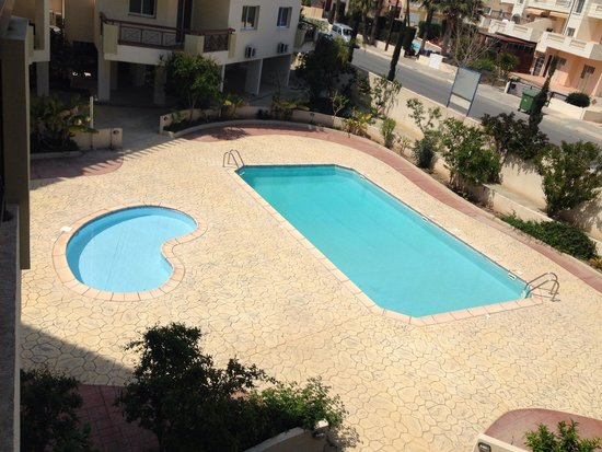 Artemis Cynthia Complex : Family Pool area