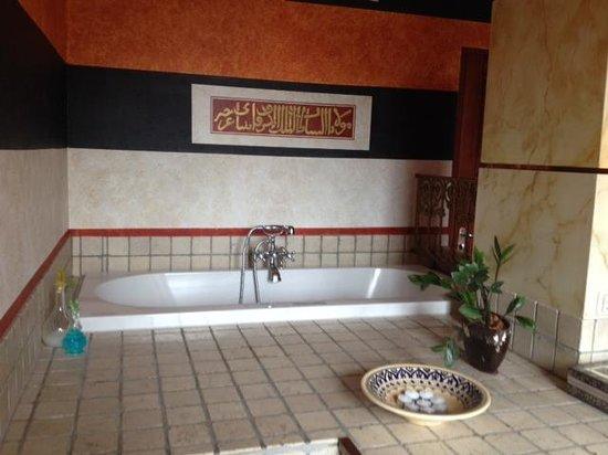 Hotel de Plataan: The jacuzzi