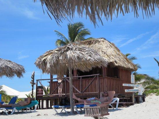 Blau Marina Varadero Resort : Beach Bar Hut