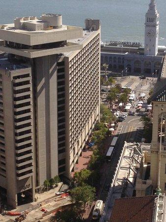 Hyatt Regency San Francisco : Bird's eye view of hotel with construction in the front