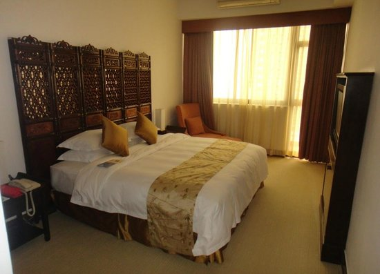 Pousada de Mong-Ha : Beedroom in the luxury suite
