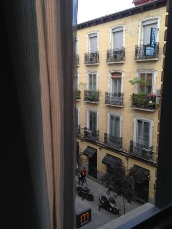 Ibis Styles Madrid Prado: 3rd floor window