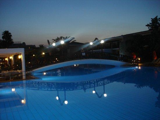 Atlantica Aeneas Hotel: night time!!