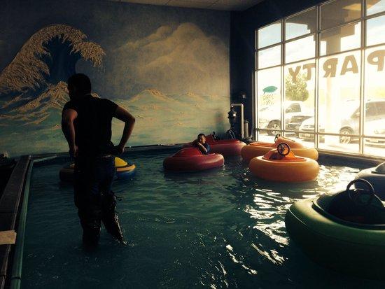 Bumper boats picture of jungle jaks el paso tripadvisor for Kids party rooms in el paso tx