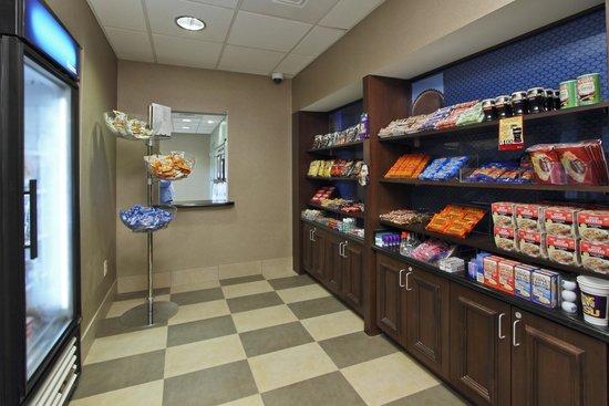 Hampton Inn & Suites Alexandria : Snack Shop