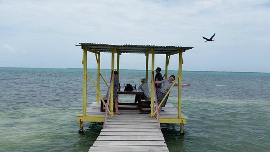 Cari'Bean Tours Belize : Island visit for lunch