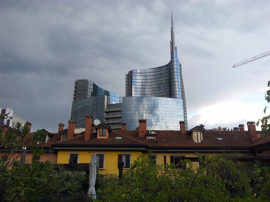 10 Corso Como: View of Piazza Gae Aulenti from the rooftop of Corso Como10