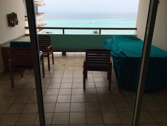 Ixchel Beach Hotel: Rm 2601 patio