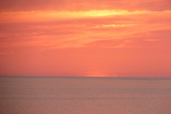 Marco Beach Ocean Resort: end of sunset
