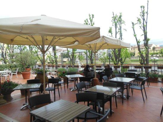 Silla Hotel : Terrace Adjacent to Bar Area