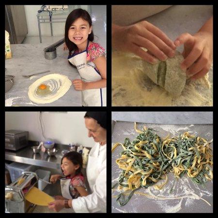 Giglio Cooking Day Course: Marcella's lessons on making paglia e fieno (like a fettuccine)