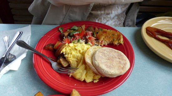 Loulou's Griddle In The Middle : scrambled eggs