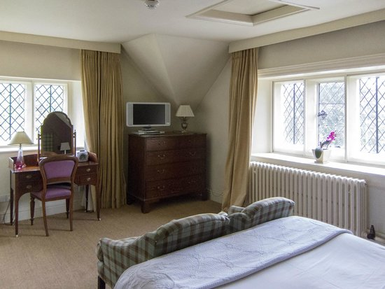 The Peacock at Rowsley: 2nd Floor bedroom