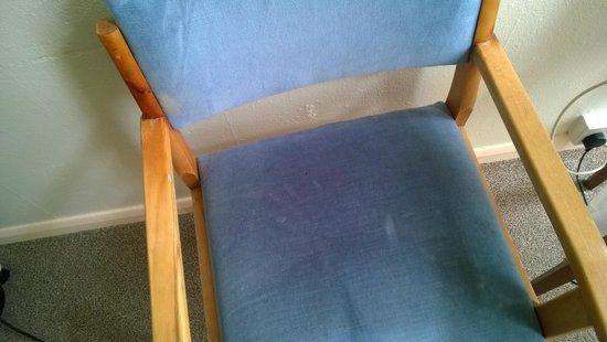 Carlton Hotel: Dirty Chair