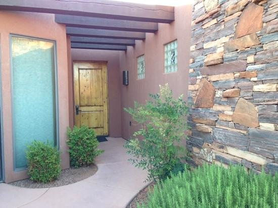 The Inn at Entrada: front entry unit 17
