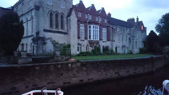 City Cruises York: Archbishops Palace and abode