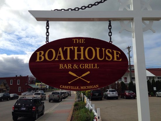 The Boathouse Bar and Grill: Boathouse street side sign