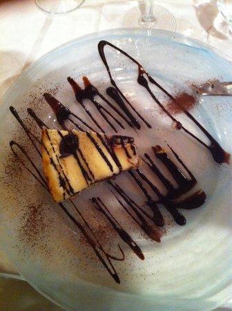 Ristorante Osterietta: Torta ricotta e nutella.