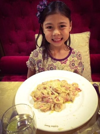 Golden Tower Hotel & Spa : Bambini had orecchiette with tomatoes and parmesan.  Yummy!