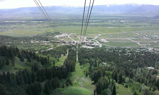 Jackson Hole Aerial Tram: tram view during ascent