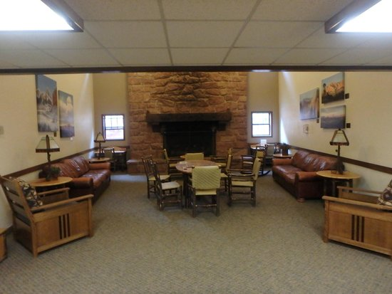 Zion Lodge: Common area for games or relaxing