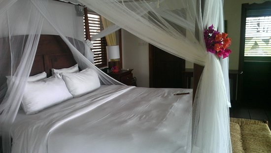 Ti Kaye Resort & Spa: Bed
