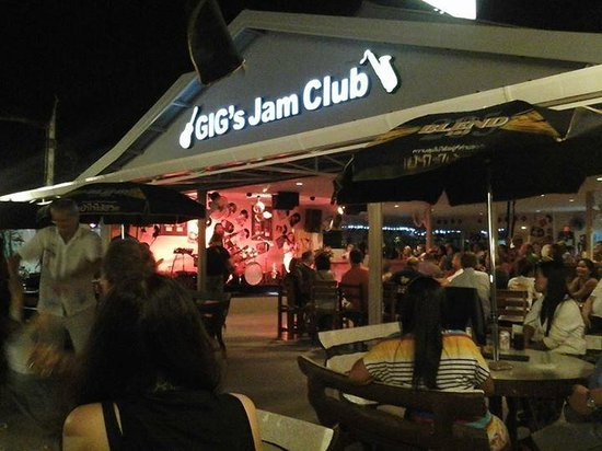 Nai Harn, Ταϊλάνδη: Great live music and drinks!