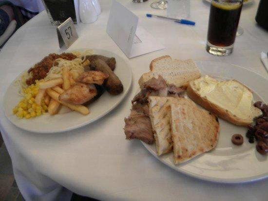Grecotel Kos Imperial Hotel: lunch at taverna restaurant