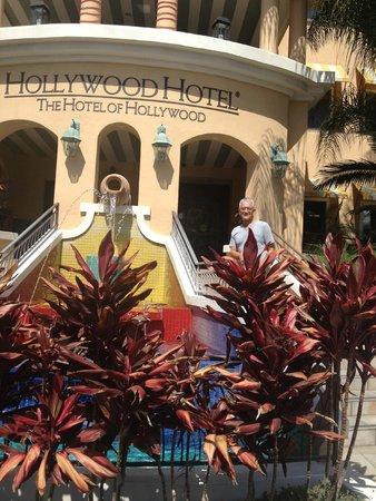 Hollywood Hotel: Beautiful Setting