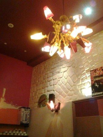Caulaincourt Square Hostel: Detalhe luminária