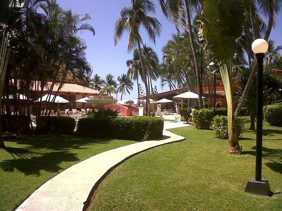 Holiday Inn Resort Ixtapa : Jardines