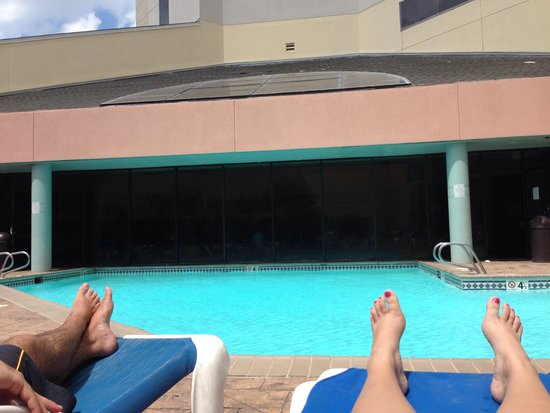Wyndham Virginia Beach Oceanfront : The outside pool