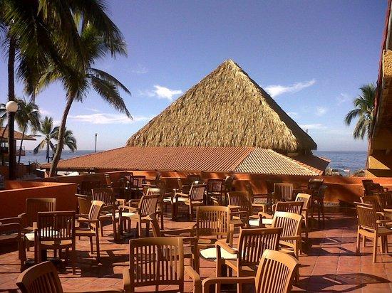Holiday Inn Resort Ixtapa : Vista desde el Sport Bar