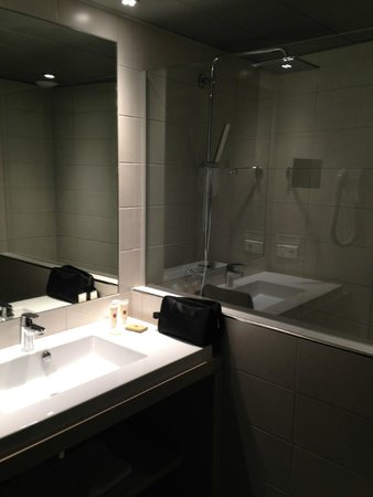Hotel Restaurant d'Alsace : SALLE DE BAIN