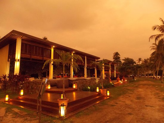 Meritus Pelangi Beach Resort & Spa, Langkawi: Cba at sunset