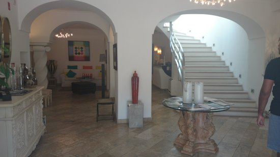Orsa Maggiore : hotel lobby