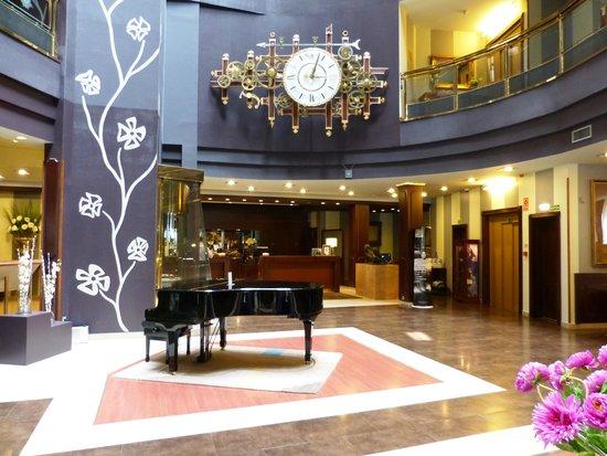 Hotel Plaza: Recepção
