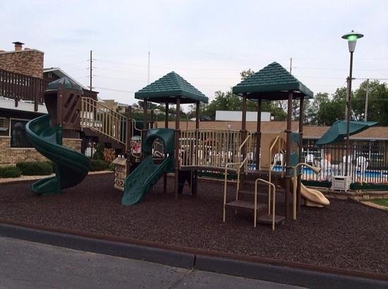 Black Hawk Motel & Suites: Playground Area